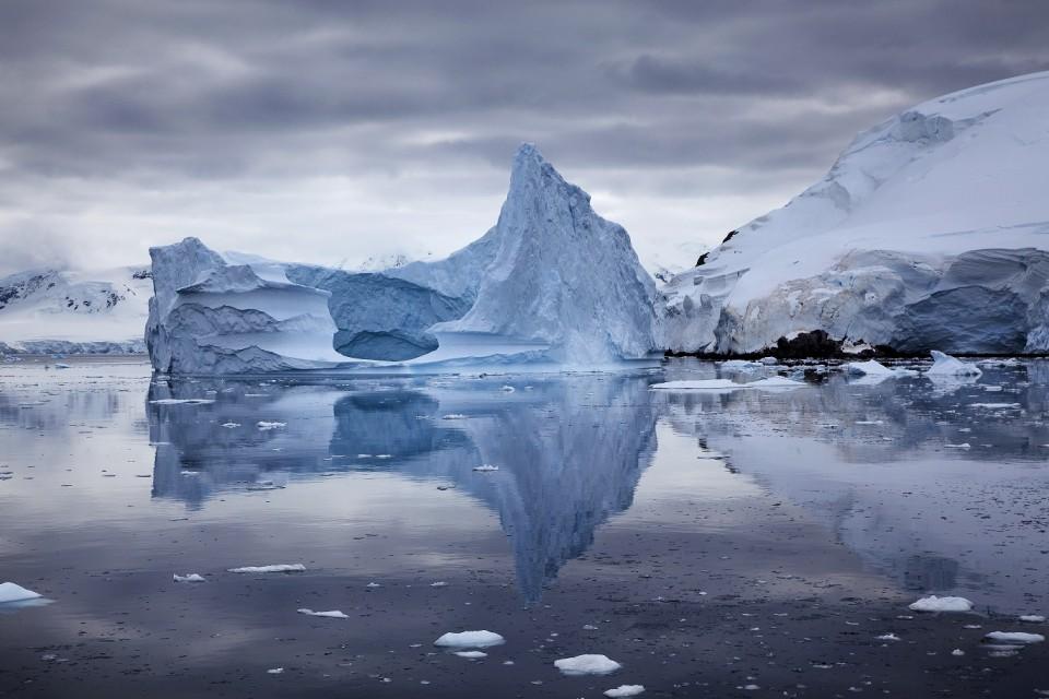 ant_iceberg_reflaction_ira_meyer_36